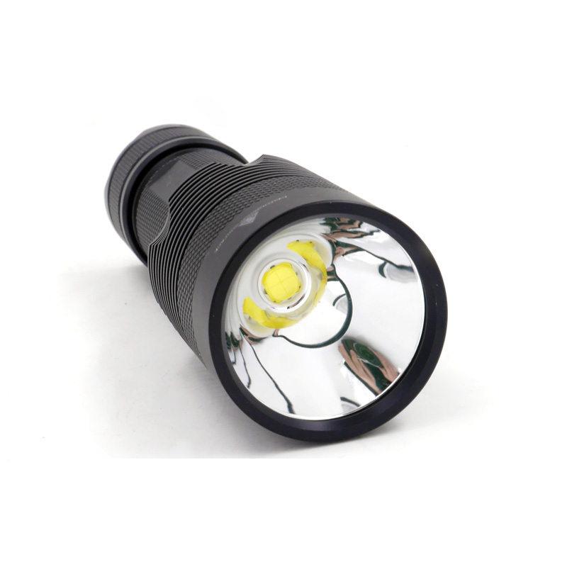 đèn pin MantaRay C8.2 Cree XHP 70