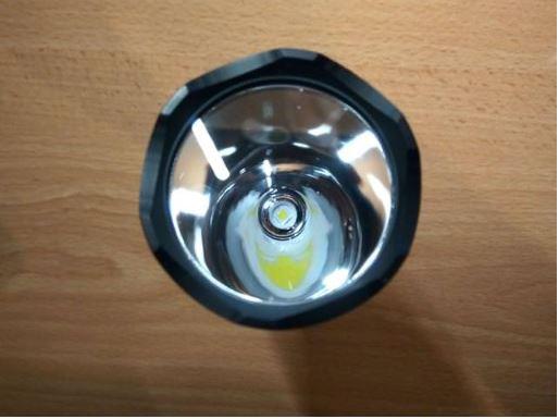 phần đầu đèn pin sofirn c8t